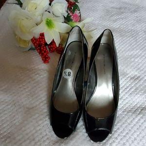 Bandolino open-toe stiletto pumps; size 8:5